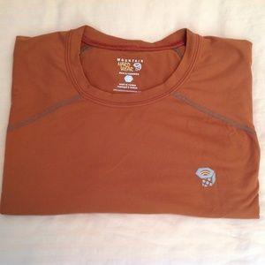 Mountain Hardware Base-Layer T-Shirt Orange Size L